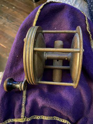 Fishing reel (brass vintage) for Sale in Bloomfield, NJ