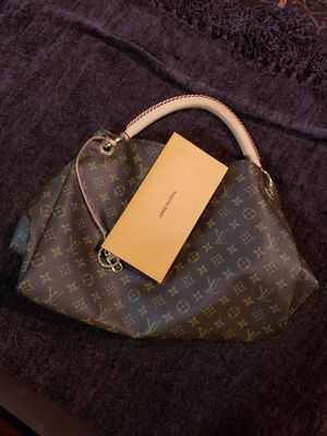 Louis Vuitton. Have receipts,bag and box. Brand New Condition! for Sale in Rocky Hill, CT