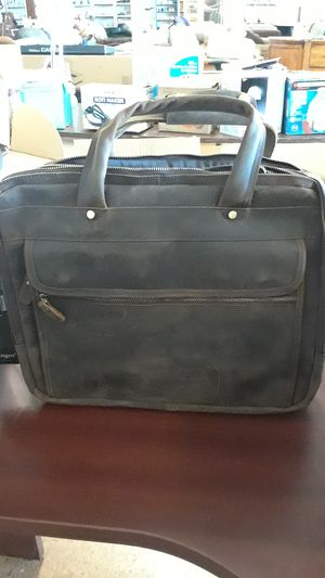 Augus Leather Briefcase For Men Business Travel Messenger Bag for Sale in Riverdale, GA