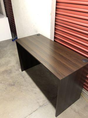 Big computer table/office desk for Sale in Las Vegas, NV