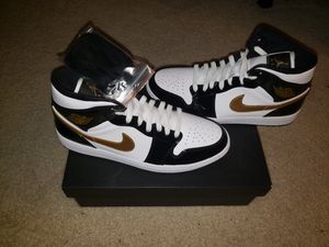Jordan Retro Mid 1 Size 10 for Sale in Wheaton, MD