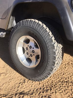 BFG BF Goodrich 32x11.5-15 Jeep Wrangler for Sale in Wrightwood, CA