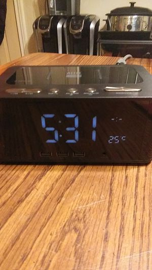 Altec Alarm Clock/Bluetooth Speaker/Radio/USB Power Charging station for Sale in North Versailles, PA