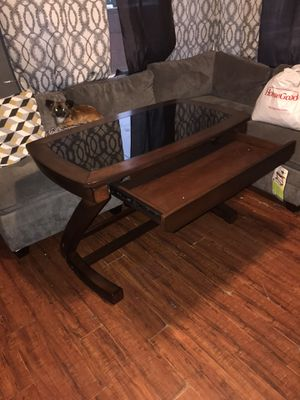 Desk for Sale in Lynwood, CA