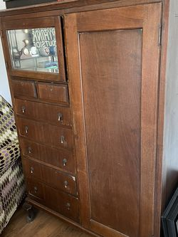 Reduced Antique Lincoln Cabinet for Sale in Phoenix,  AZ