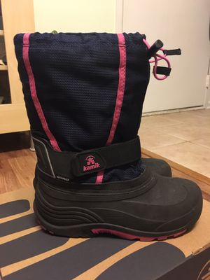 Kamik winter boots for girls for Sale in Elk Grove Village, IL