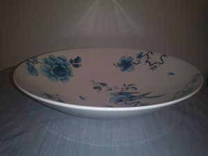 Wedgewood bluebird serving bowl for Sale in Powder Springs, GA