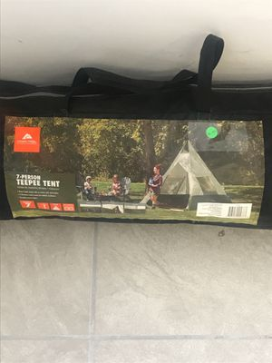 7 person tent for Sale in Columbus, GA