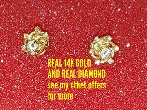 14K Gold DIAMOND earrings set for Sale in Tampa, FL