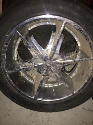 22 inch 6 lugs Rims for Sale in Highland, CA