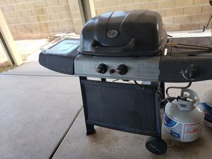 Bbq grill with side burner for Sale in Las Vegas, NV