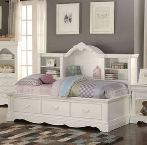 Brand New White Twin Daybed with Bookcase Storage for Sale in Tracy, CA