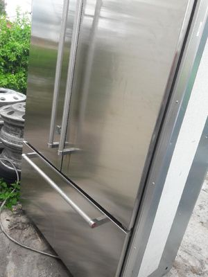 Kitchen aid sub 0 refrigerator. for Sale in LAKE CLARKE, FL