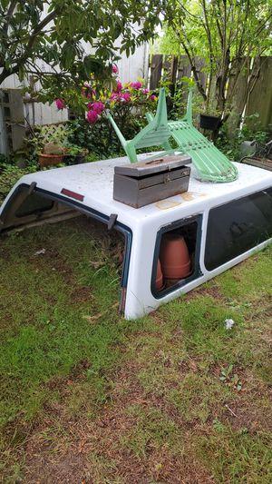 Camper para Chevrolet (Gratis) for Sale in Federal Way, WA