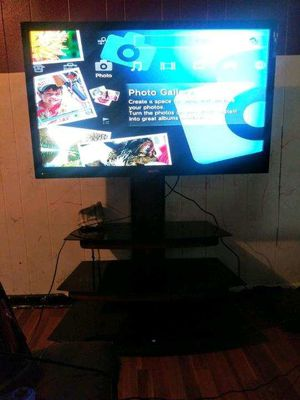 50 in sanyo flat screen with glass stand. Very good condition. Got new tv don't need this one anymore. for Sale in Kingsport, TN