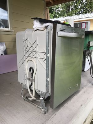 Stainless Whirlpool Dishwasher for Sale in Lake Stevens, WA