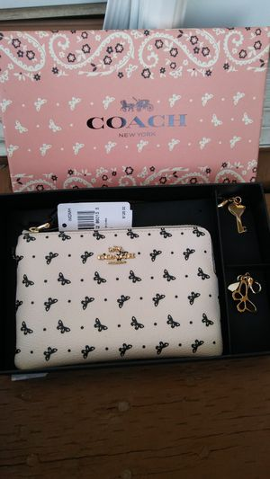 Coach for Sale in Pittsburg, CA