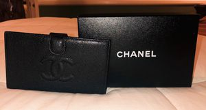 Chanel Women Wallet for Sale in Montclair, CA