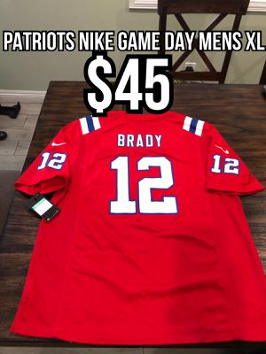 NFL Nike Game Day New England Patriots #12 Tom Brady Red alternate men's jersey size xl for Sale in La Puente, CA