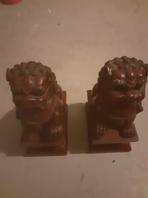 Foo dog 2 piece Male and female statue set for Sale in North Las Vegas, NV