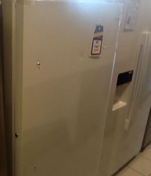New open box frigidaire upright freezer FFFH17FZQW for Sale in Hawthorne, CA