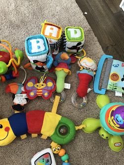 Assorted Toys For Infant And Toddler for Sale in Oak Lawn,  IL