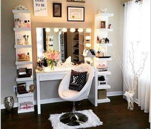 Vanity set makeup for Sale in Medley, FL