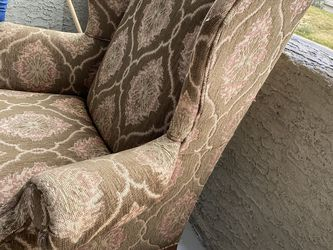 Brown Small Couch for Sale in Las Vegas,  NV