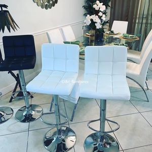 2 brand new white bar stools New in the box for Sale in Miami, FL