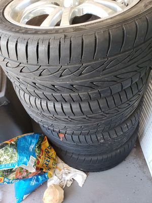 17 inches chrome rims come out from 2015 honda civic si tires still on good shape rims are on good condition I just don't needed anymore for Sale in Centreville, VA