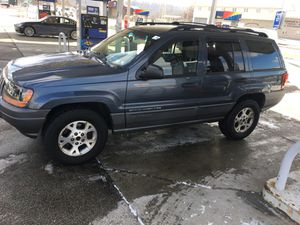 01 Jeep grand Cherokee for Sale in Pittsburgh, PA