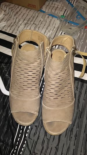 Heels size 7.5 womens for Sale in Phillips Ranch, CA