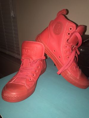 Red All Star Converse high tops like new only wore twice - MAKE OFFER for Sale in St. Petersburg, FL