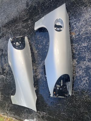 Porsche 911 996 99 01 Fender Left Right w headlight brackets for Sale in Pembroke Pines, FL