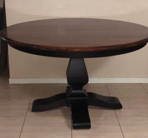 """54""""Round dining table from GF and 4 Westin chairs all made in America 🥰 for Sale in Houston, TX"""