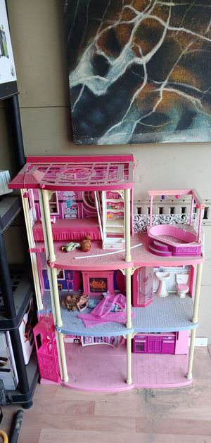 barbie doll house for Sale in Bloomington, CA