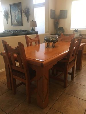 Dining Table and 4 chairs for Sale in Peoria, AZ