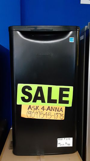 ⭐Black Danby mini fridge⭐ for Sale in Covina, CA