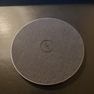 Wireless charger + type C cable for Sale in Las Vegas, NV