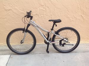 BICYCLE SPECIALIZED 24 SPEED EXCELLENT CONDITION for Sale in Miami, FL