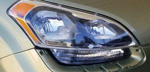 2012-2013 kia soul headlight passenger side.$150 for Sale in Mesa, AZ