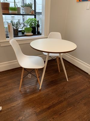 """West Elm Dining Table 30"""" for Sale in San Francisco, CA"""