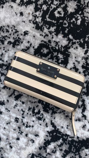 Kate Spade Wallet for Sale in Lakewood, OH