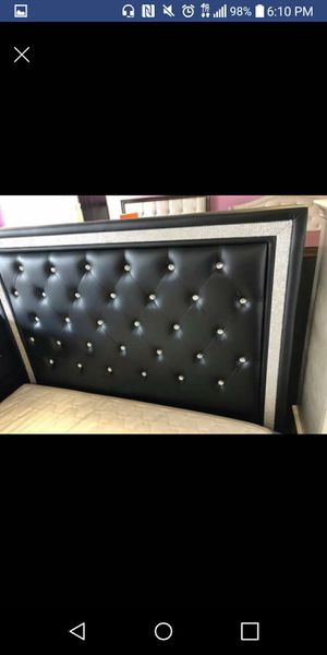 FREE DELIVERY- Brand New Black Queen Diamond Bed for Sale in Austin, TX
