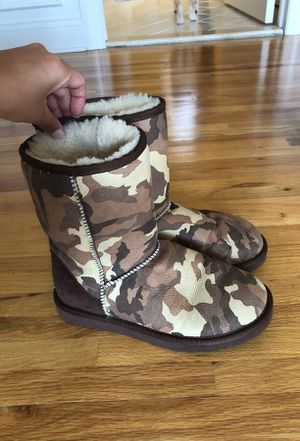 Brown camo Uggs for Sale in Austin, TX