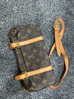 Luxury-like fanny pack waist bag for Sale in Union City, CA