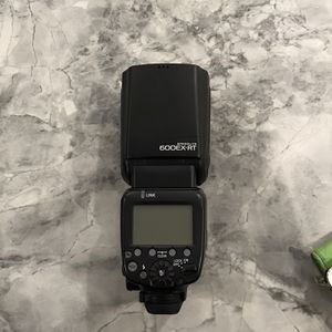 Canon 600 Ex Rt Flash for Sale in Las Vegas, NV