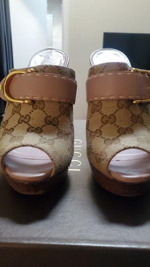 Gucci peep toe wooden platform heels for Sale in Houston, TX