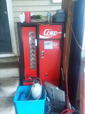Coca cola machine for Sale in Marked Tree, AR