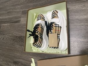Burberry Runners for Sale in Torrance, CA